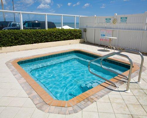 Ocean east resort club hot tub your florida vacation rental for Florida hot tubs