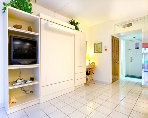 SurfRider-Resort-Condominiums-Pompano-Beach-Murphy-Bed ...